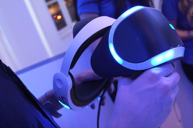 PlayStation VR - фото